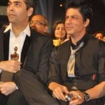 Shahrukh Khan smoking during star screen awards event