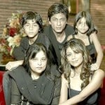 Shah Rukh Khan With His Sister, Wife And Children