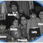 Bobby Deol With His Parents And Siblings- Vijeeta, Ajeeta, Sunny