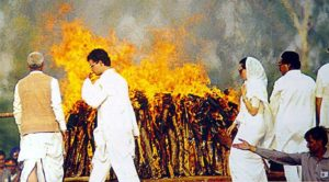 Rahul Gandhi burning the pyre of his father