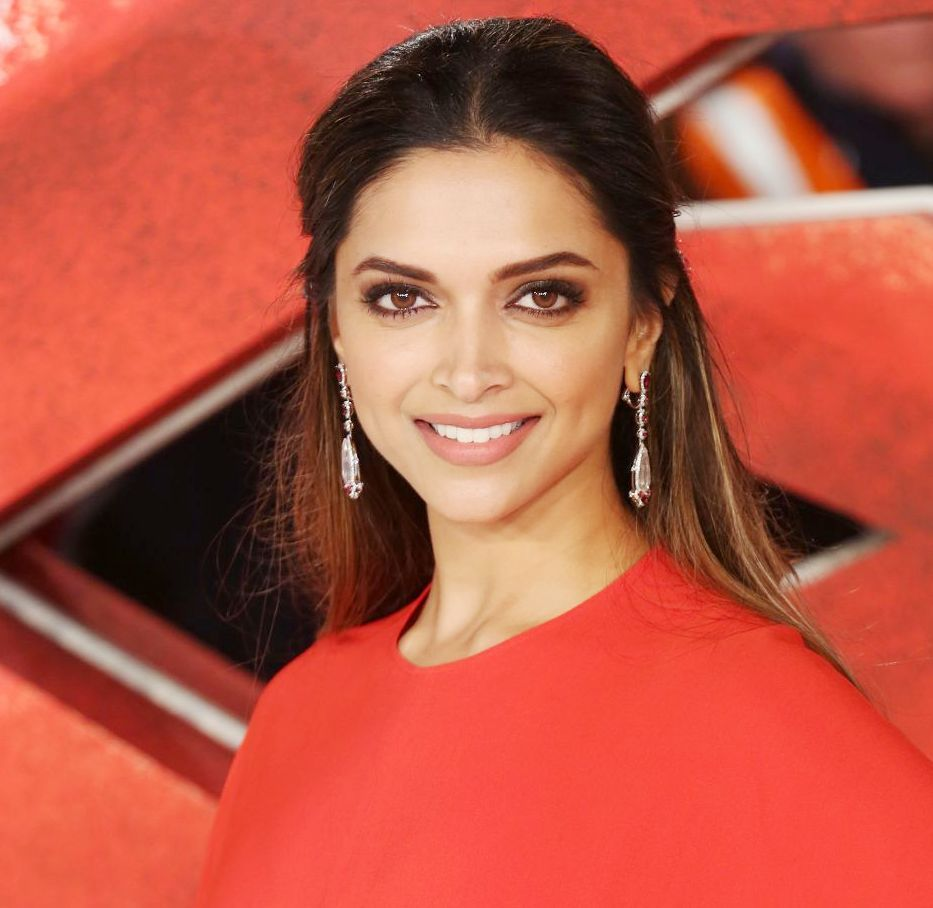 Deepika Padukone Height Age Husband Boyfriend Family Biography More Starsunfolded