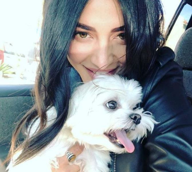 Shruti Haasan With a Dog