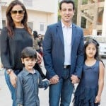 Ronit Roy with his family