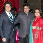 Shekhar Suman with his wife and son