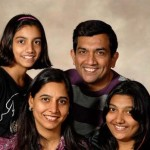 Sanjeev Kapoor with his family