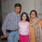 Avika Gor with her parents