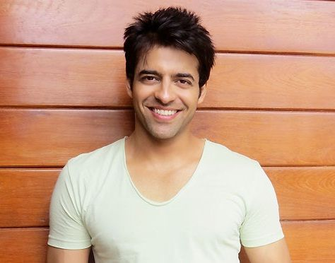 Himmanshoo Malhotra Height, Weight, Age, Wife, Family, Biography & More »  StarsUnfolded