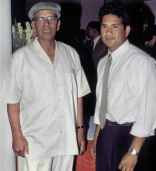 Sachin Tendulkar With His Coach Ramakant Achrekar