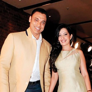 Shoaib Akhtar with his wife
