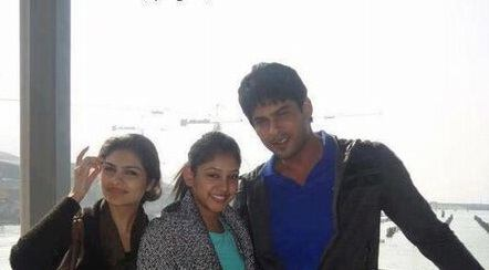 Siddharth Shukla with his sisters