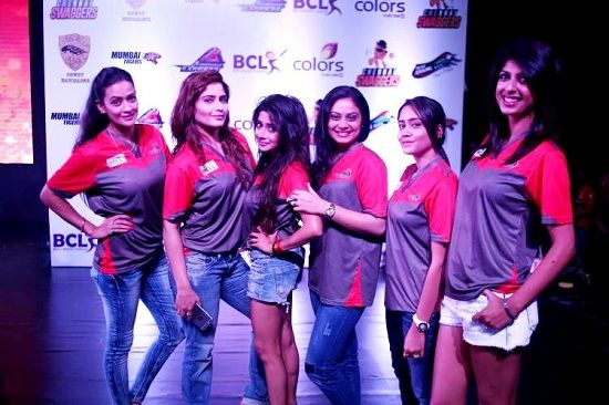 Tina Datta with other team members of BCL's Ahmedabad Express