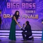 Danish Khan proposing Mahek Chahal with a ring on Bigg Boss 5 set