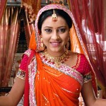 Pratyusha Banerjee as Anandi