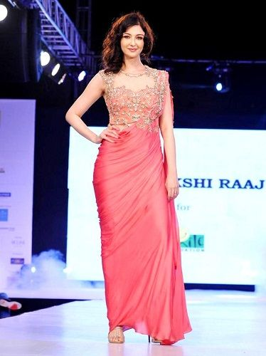 Saumya Tandon walking the ramp for 'Sonakshi Raaj'