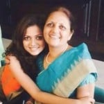 Drashti Dhami with her mother