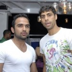 Ashish Nehra with his brother