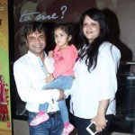 Rajpal Yadav with his wife and daughter