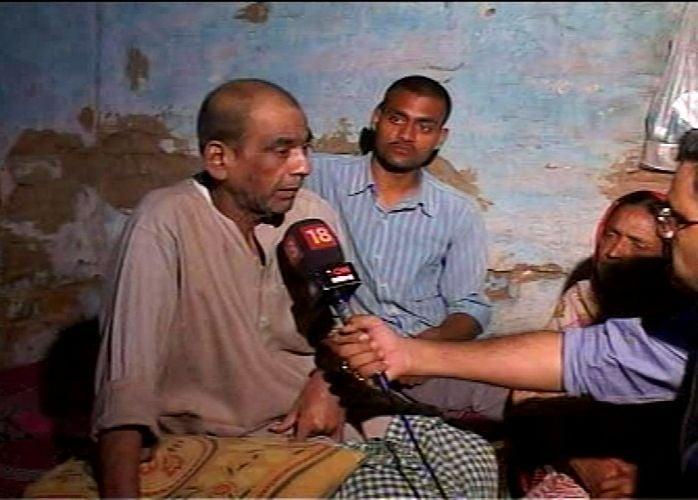Kanhaiya Kumar's Parents Being Interviewed After He Was Arrested