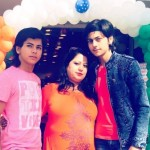 Abhishek Nigam with his mother and brother