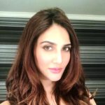 Vaani Kapoor Age, Boyfriend, Family, Biography & More