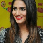 Vaani Kapoor Height, Weight, Age, Affairs & More