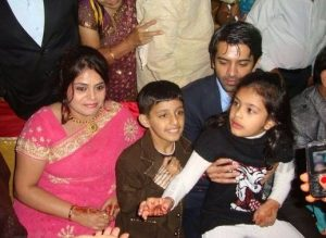 Barun Sobti with his elder sister Richa and niece
