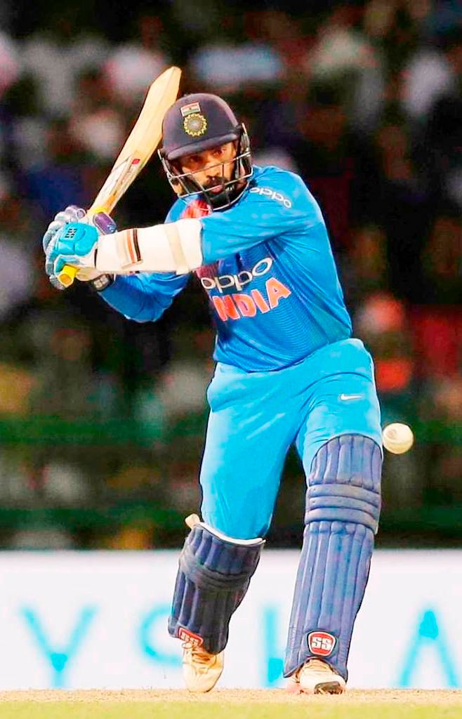 Dinesh Karthik (Cricketer) Height, Age, Wife, Family ...