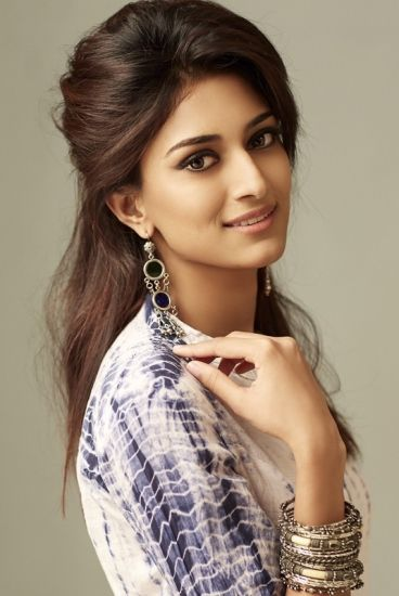 Erica Fernandes Height Weight Age Boyfriend Husband