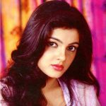 Mamta Kulkarni (Actress) Height, Weight, Age, Biography, Husband & More