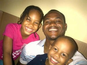 Marlon Samuels with his children