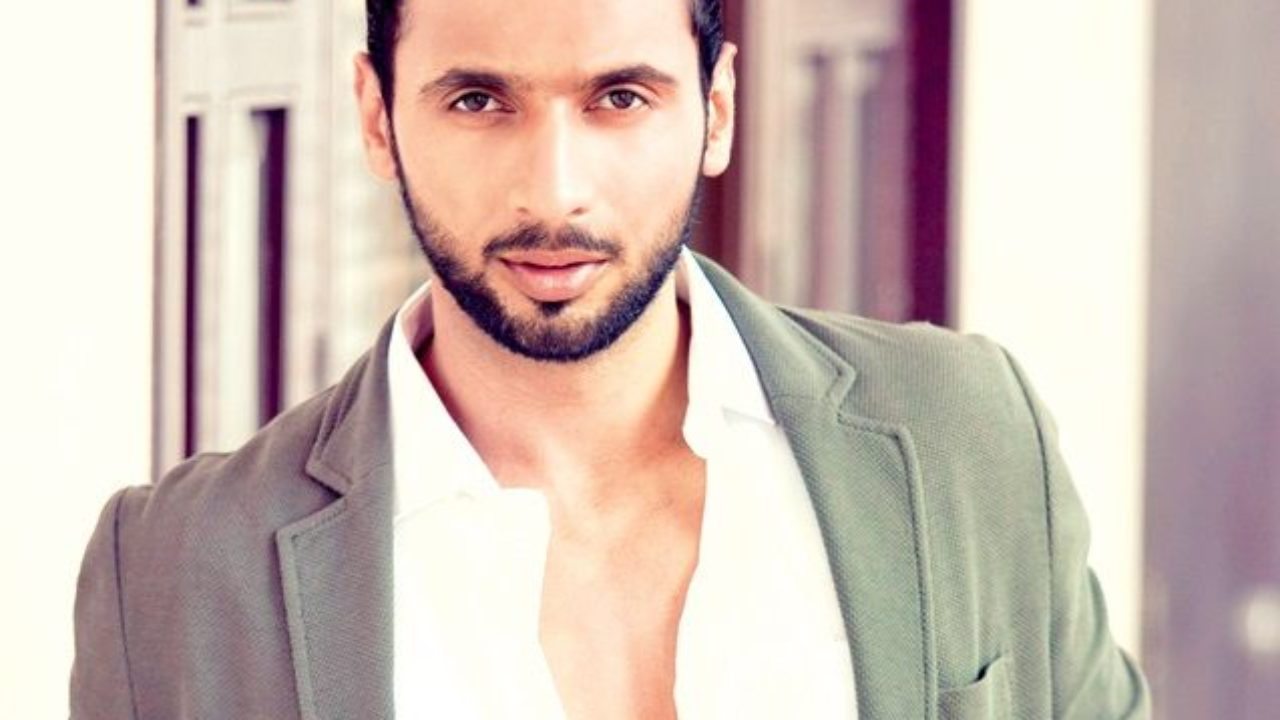 Punit Pathak Height, Weight, Age, Affairs, Biography & More