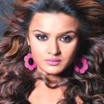 Aashka Goradia Height, Weight, Age, Biography, Affairs & More