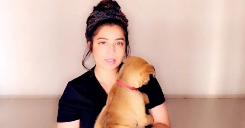 Jasmine Sandlas loves dogs