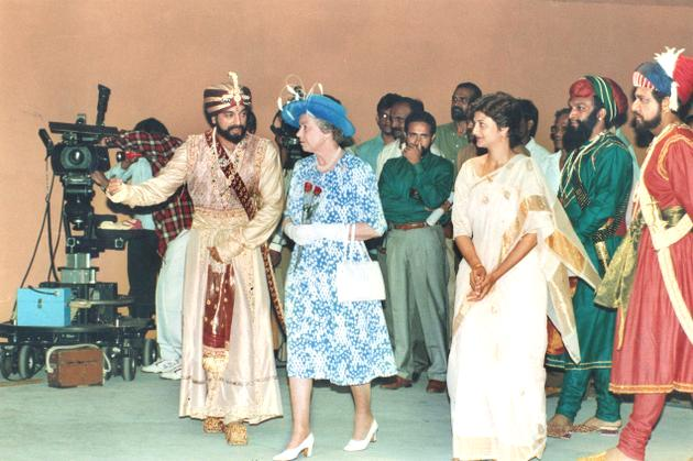 Kamal Haasan with Queen Elizabeth 2