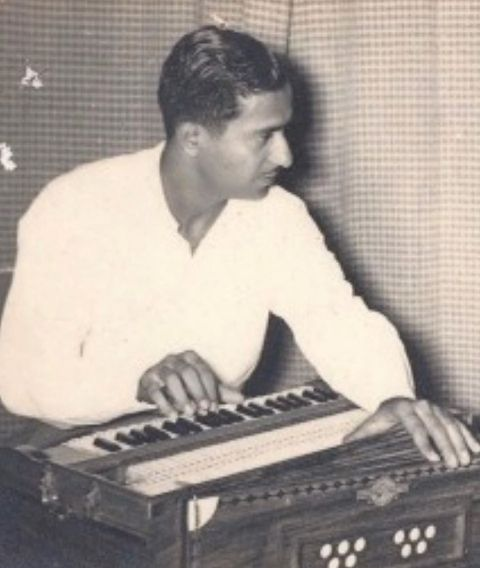 Salim Merchant's father playing the piano