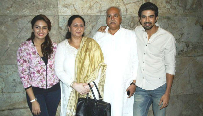 Huma Qureshi with Her Parents and Brother