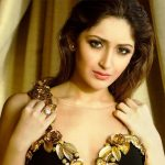 Sayyeshaa (aka Sayesha) Saigal Height, Weight, Age, Biography, Affairs & More