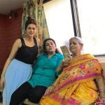 Shraddha Das with her mother and grandmother