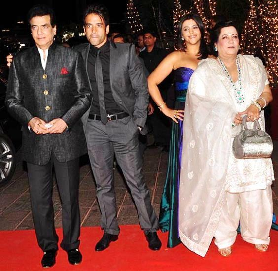Tusshar Kapoor Wiki Age Girlfriend Family Biography & More
