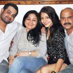 Anushka Sharma with her family