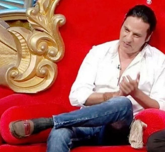 Rahul Roy in Comedy Nights Bachao
