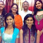 Neeti Mohan With Her parents and sisters