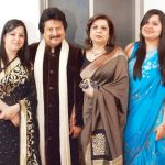 Pankaj Udhas with his wife and daughter