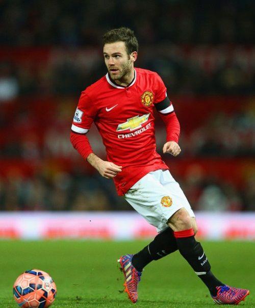 Juan Mata Playing