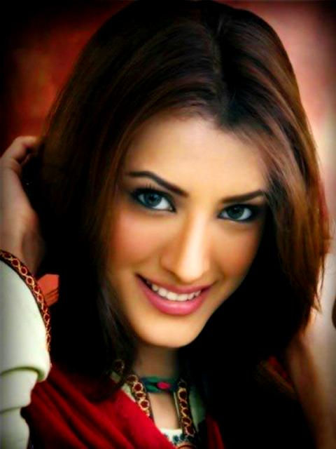 Mehwish Hayat Height, Weight, Age, Biography, Affairs & More