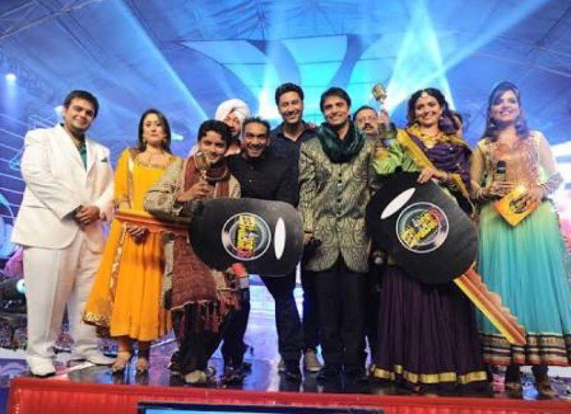 Nimrat Khaira as the winner of Voice of Punjab 3