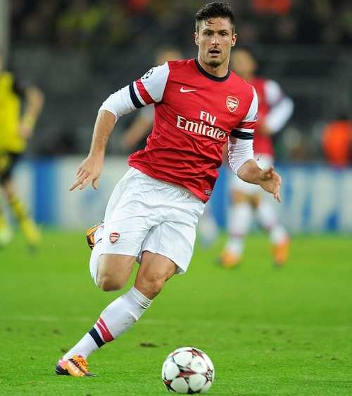 Olivier Giroud playing