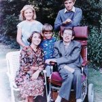 stephen-hawking-with-his-1st-wife-jane-and-children