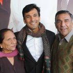 Vikas khanna with his parents