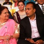 anil-ambani-with-his-mother